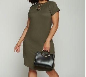 Dresses & Skirts - NWOT Short Sleeve Lace Up T Shirt Dress